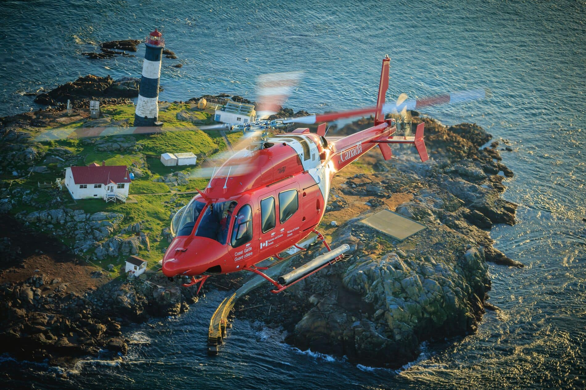 Web_Hero-05-MAY_HERO_429_Canadian-Coast-Guard_158-15-406_2015_layered