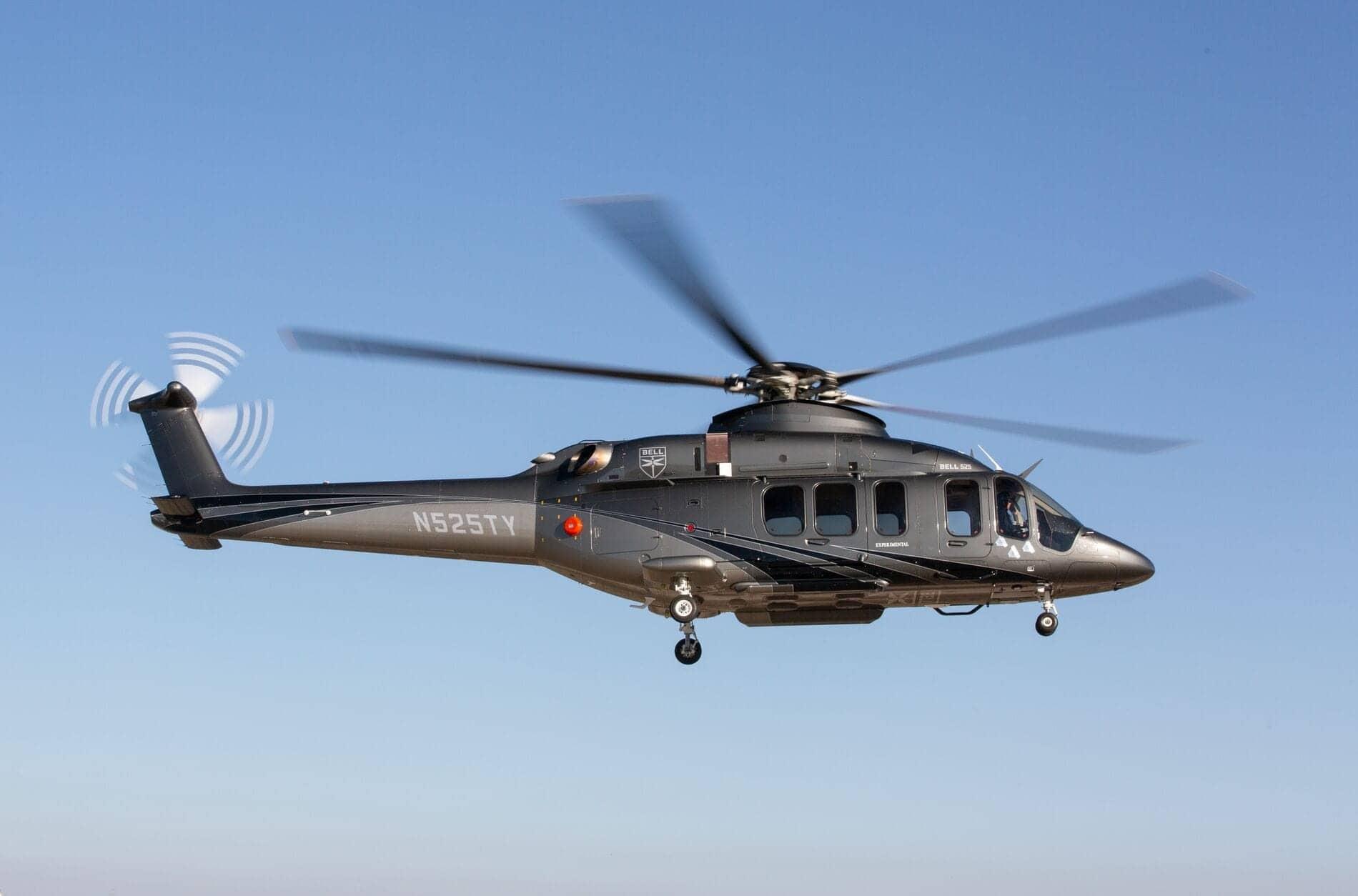 Vista de perfil del Bell 525 en vuelo