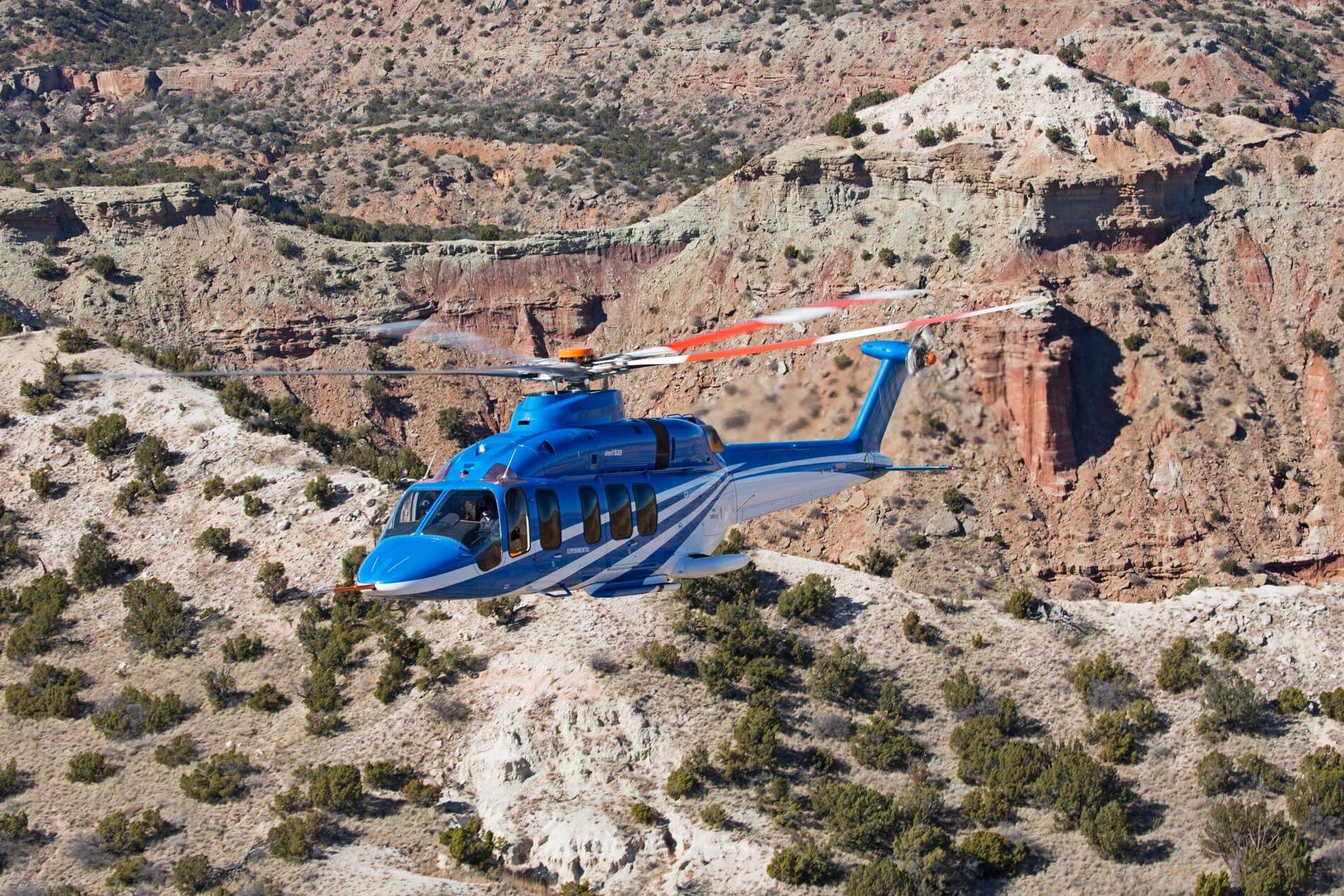 Bell 525 sobre montañas del desierto2 - Héroe