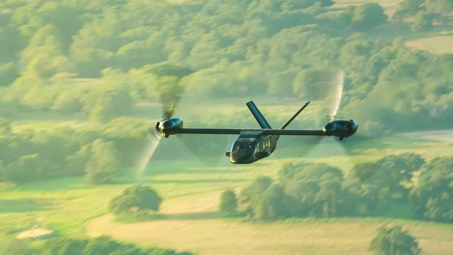 Imágenes aire a aire V-280 tomadas de video 8K 07