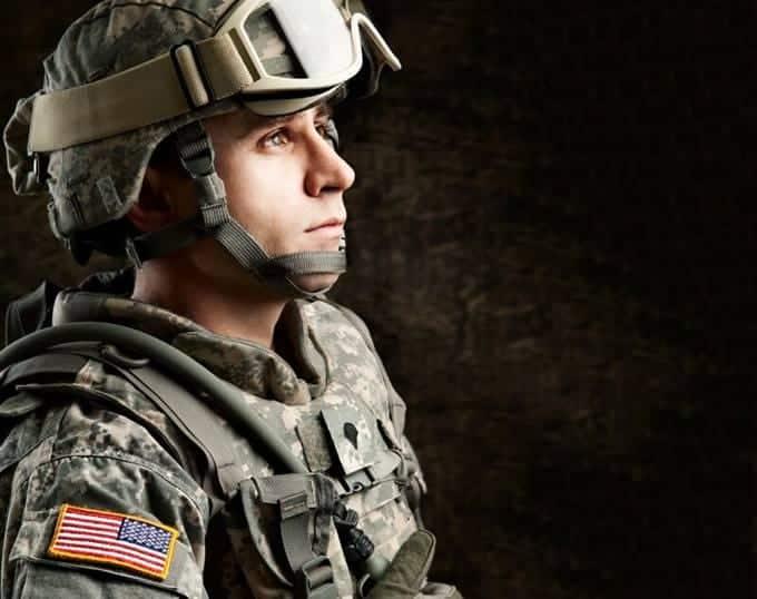 Hombre en uniforme